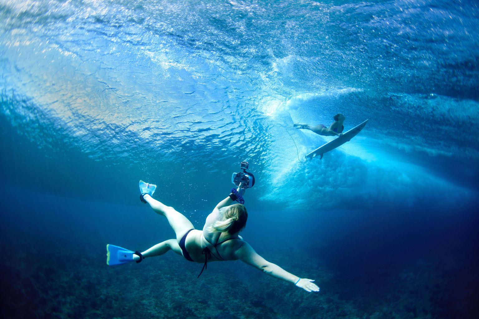 Métete en el agua para la fotografía de surf
