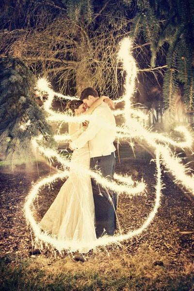 f0999492c0 Lightpainting para dar un toque romántico. 30 ideas para hacer fotos de  bodas ...