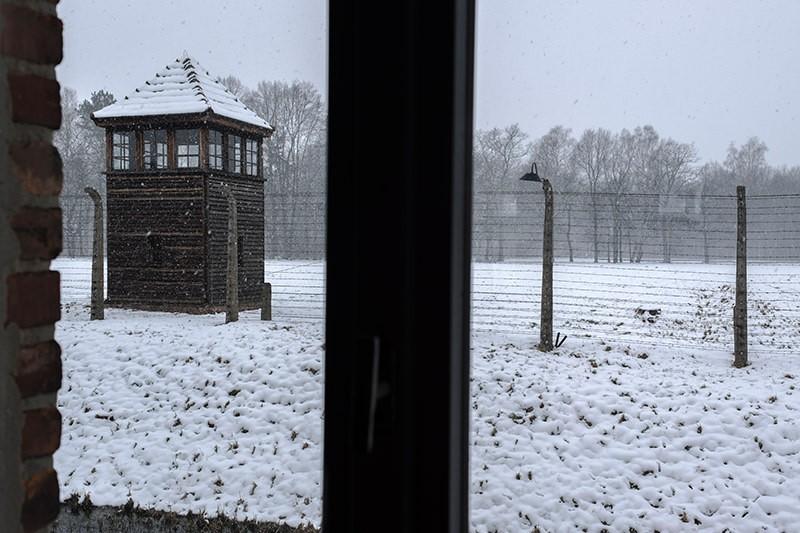 Torre de vigilancia en Auschwitz-Birkinau II. © José Luis Valdivia.