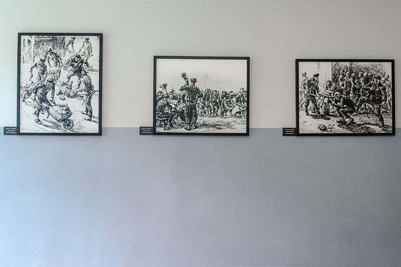 Dibujos y representaciones de los presos de Auschwitz para contar lo que vivían. © José Luis Valdivia.