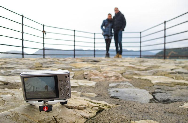 Utiliza el temporizador de tu cámara para salir tu también en la foto
