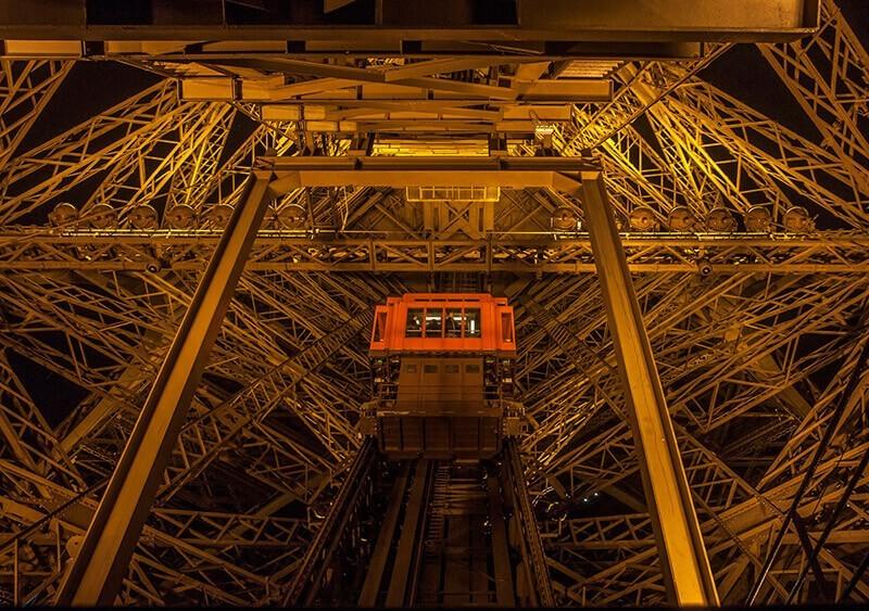 Ascensor en la Torre Eiffel