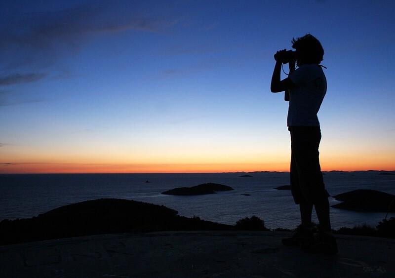 Cómo elegir unos prismáticos: factor crepuscular