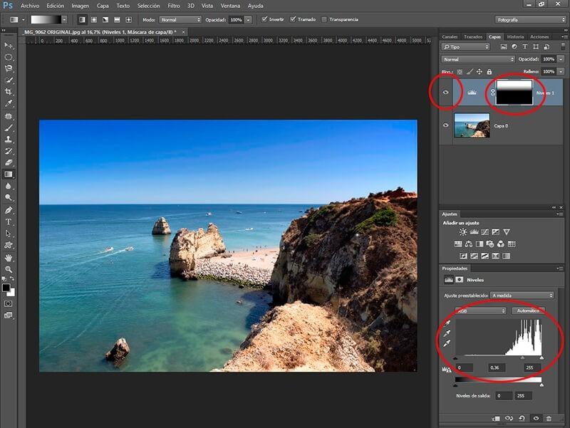 8 retoques con Photoshop para mejorar tus fotos veraniegas: mejorar el cielo con un degradado
