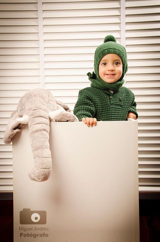 12 consejos infalibles para fotografiar niños en una sesión: pídeles que traigan su propio atrezzo