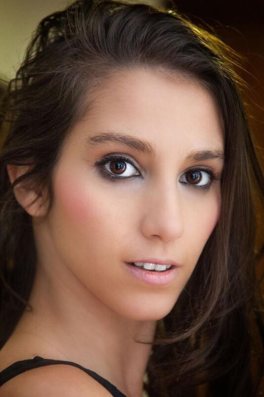 Retocar retratos con Photoshop: foto final de Miriam