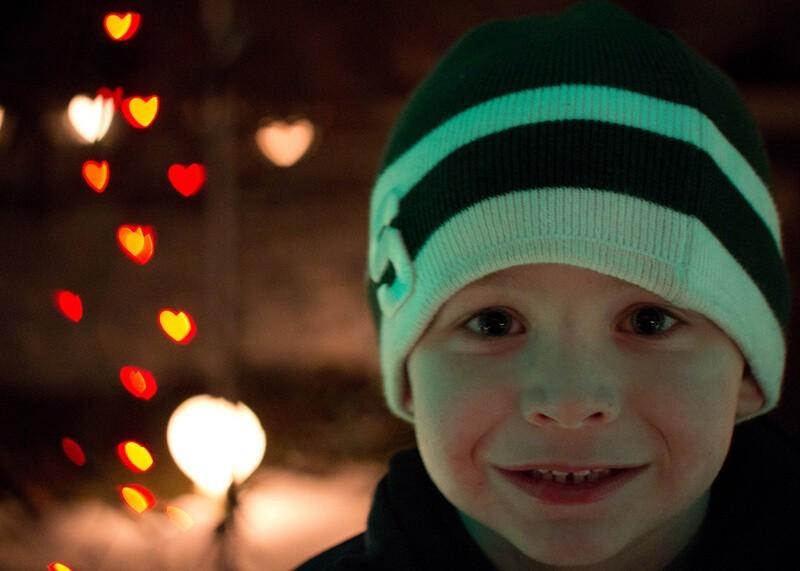 Cómo hacer un bokeh navideño. Foto: Betsy Weber