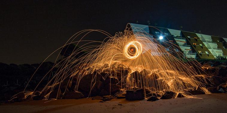 Cómo hacer una foto de lightpainting con lana de acero