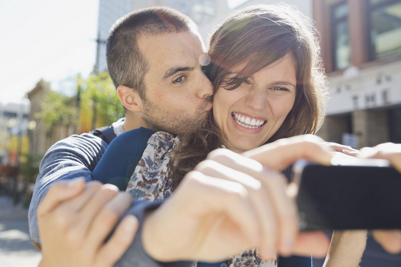 Los selfies son muy usados en los retratos románticos