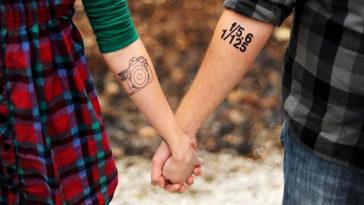 6 accesorios imprescindibles para hacerse fotos en pareja