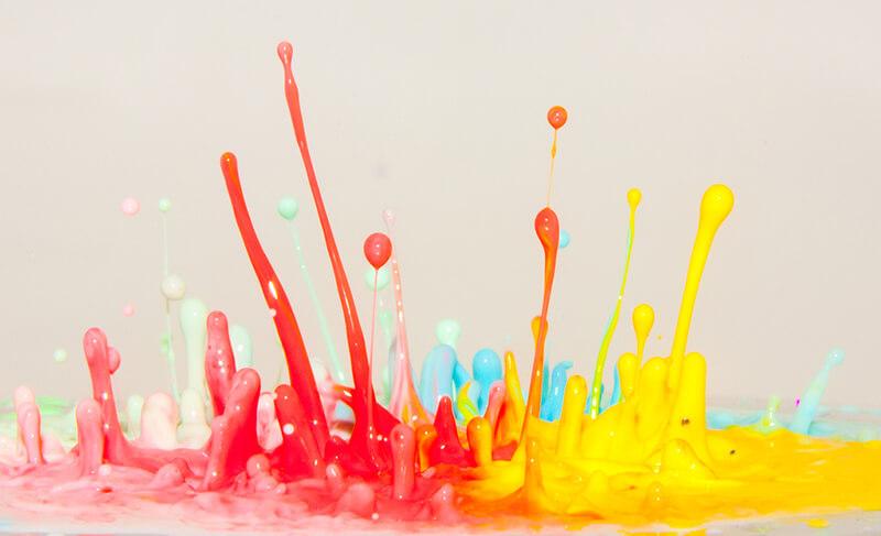 Escultura de color. Dennis Skley