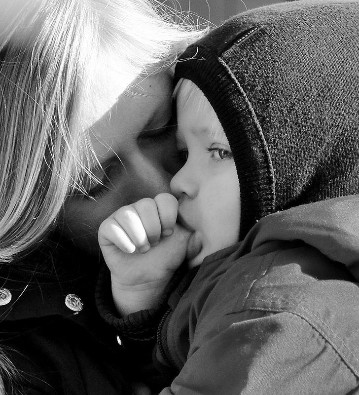 40 photos de mères et de leurs enfants tendres et émouvantes. Tobias Koepe