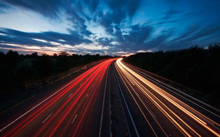 5 consejos para fotografiar las estelas de luz de los coches