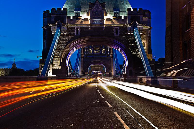 Filtros para fotografía nocturna: Crea el efecto estela en los coches