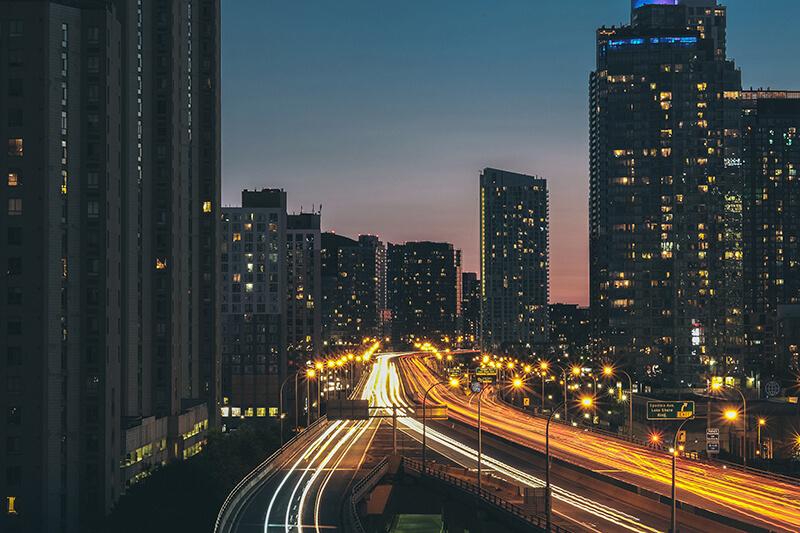 5 consejos para fotografiar las estelas de luz de los coches. Verne Ho