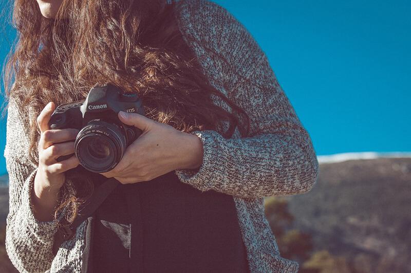 Hacer fotos solo o acompañado: ¿qué es mejor?