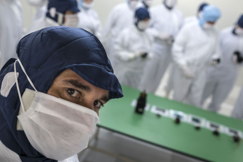 José Luis Valdivia en las instalaciones de Fujifilm en Taiwa
