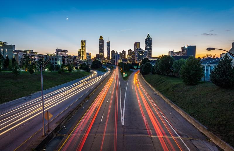 Vitesse d'obturation lente : les lumières de la circulation