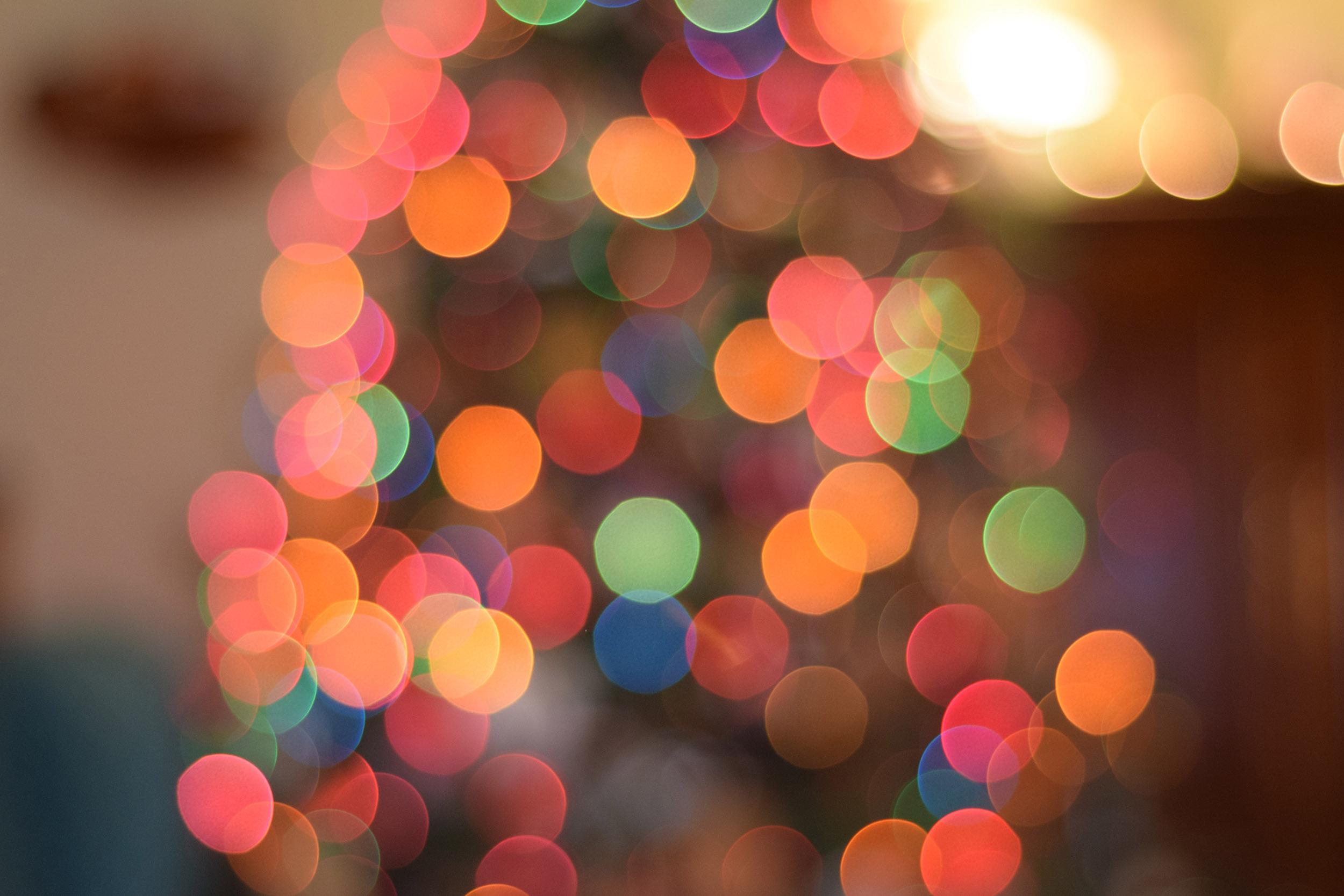 Fotografiar un árbol de Navidad de forma innovadora