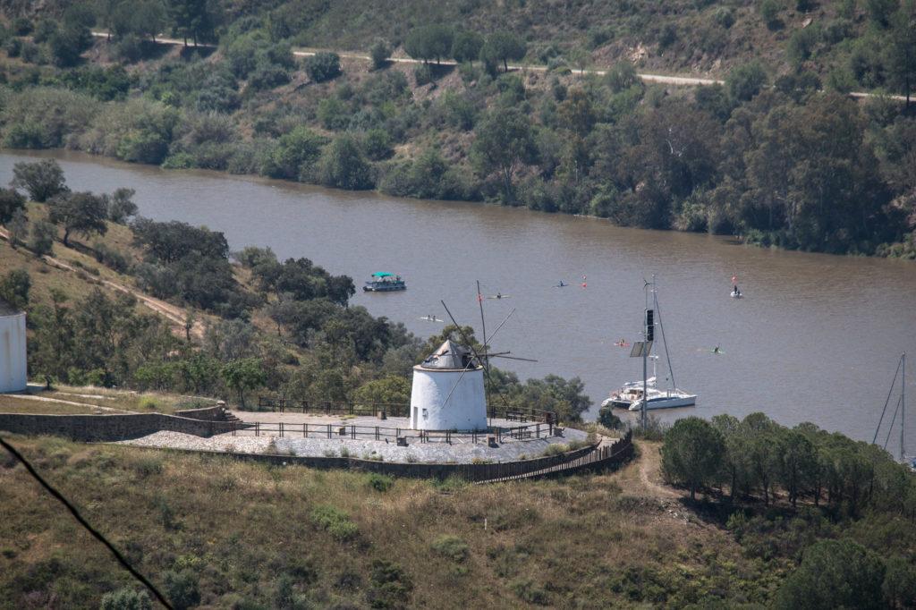 Teleobjetivo en fotografía de paisajes: Molinos de Sanlúcar de Guadiana