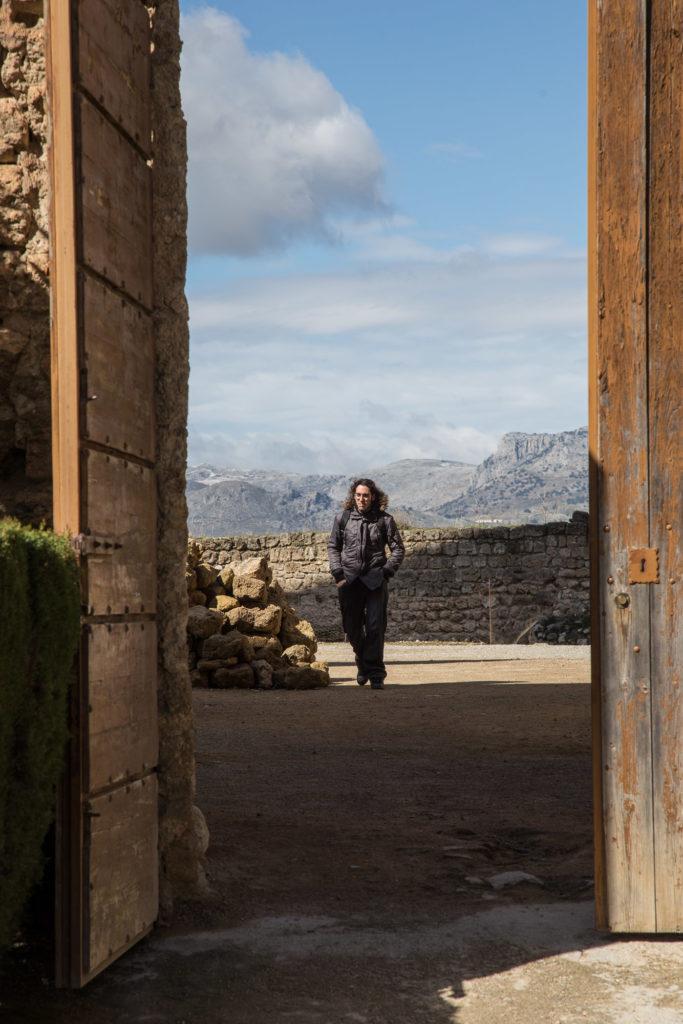 Teleobjetivo en fotografía de paisajes: Usando la puerta como marco