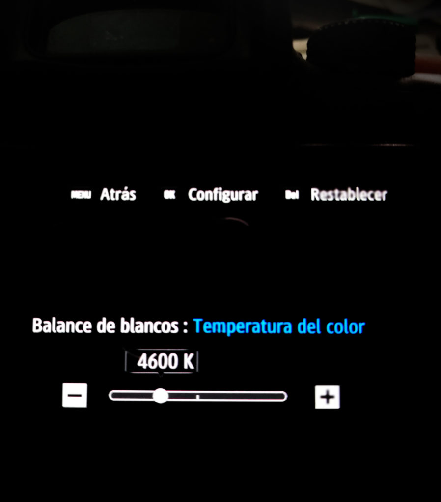 Usar el balance de blancos: Ajuste del balance de blancos introduciendo directamente la temperatura de color en grados Kelvin