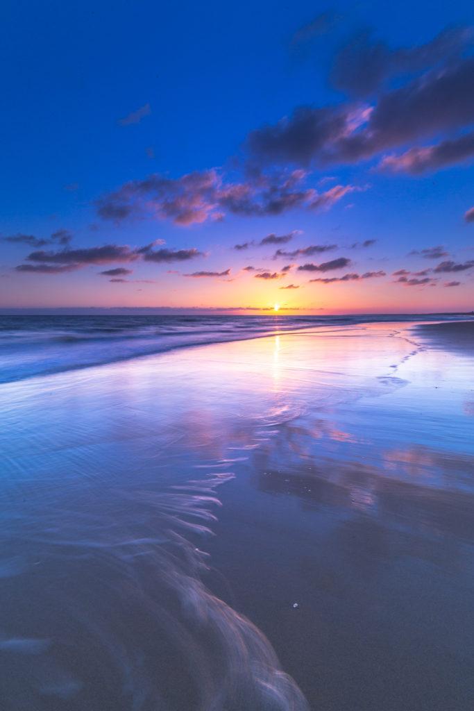Otro ejemplo de puesta de Sol forzado a tonos fríos