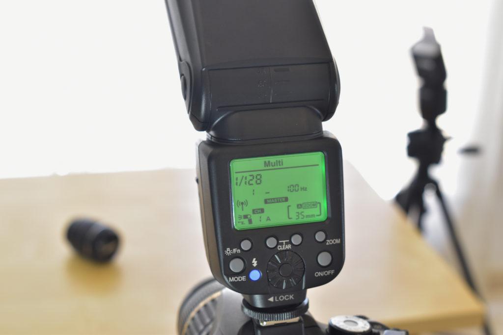 Gloxy GX-F1000, au niveau des meilleurs flashs