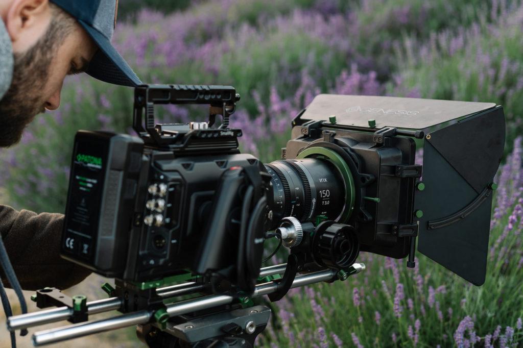 Les différences entre les objectifs cinéma et photo