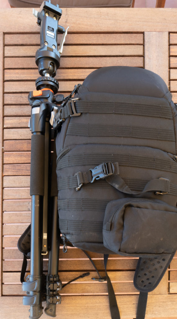 Trépied Manfrotto et sac à dos Lowepro