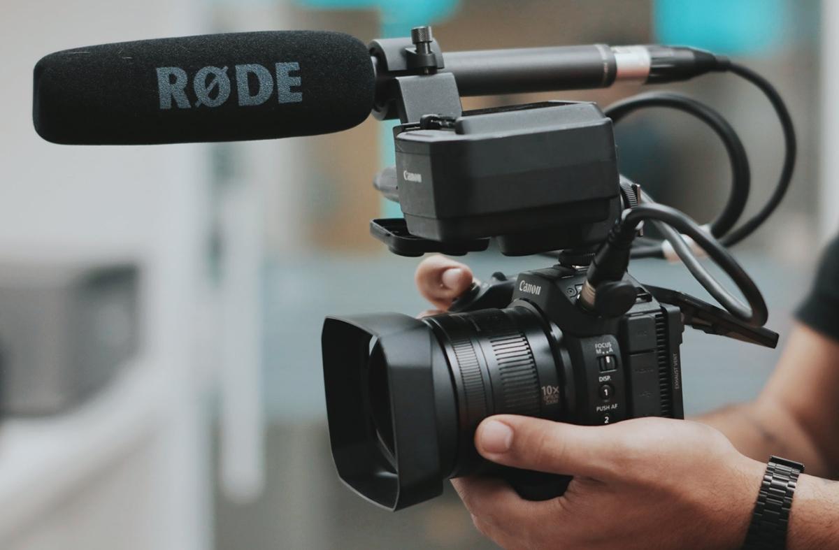 Un buen micrófono es esencial para grabar vídeo
