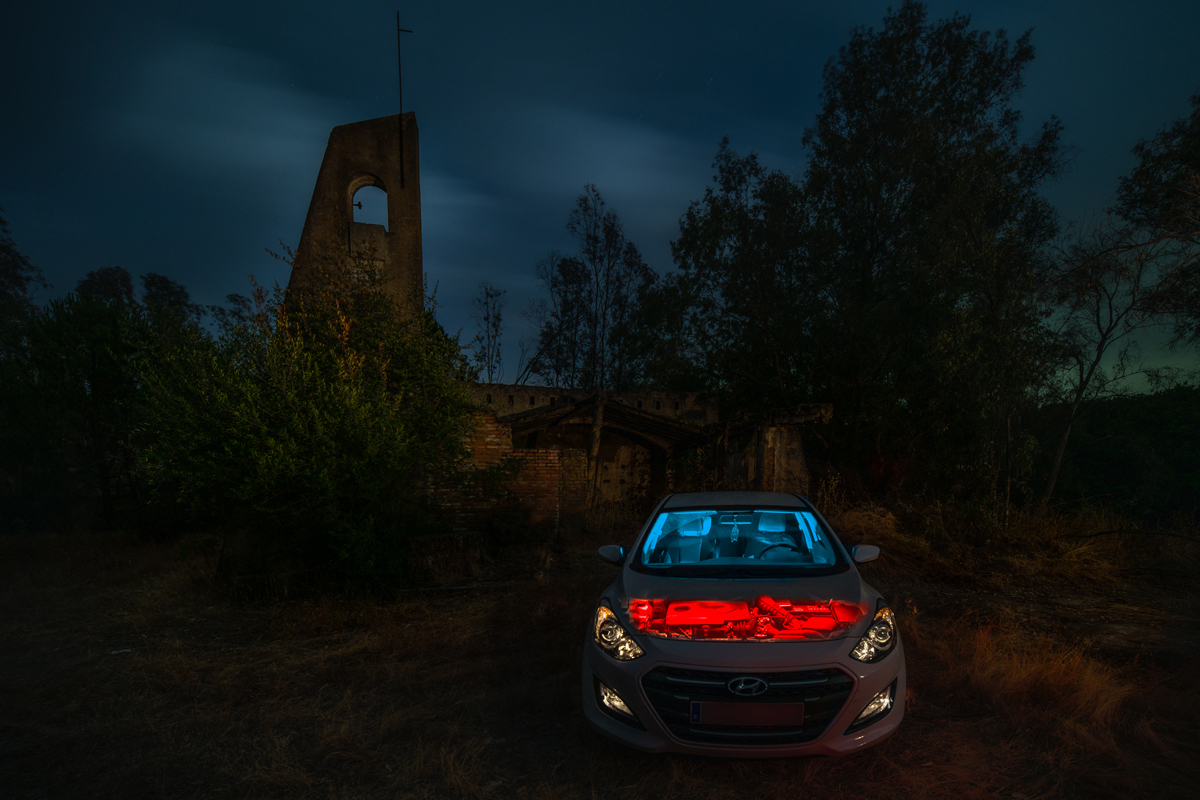 Usa el lightpainting para Halloween para crear un coche diabólico