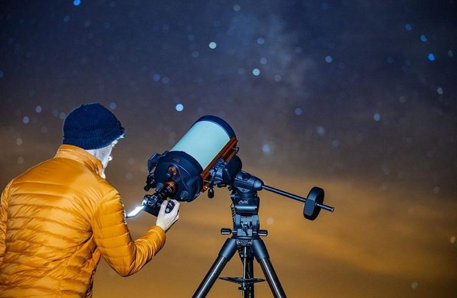 Le Canon EOS Ra peut s'installer sur des télescopes