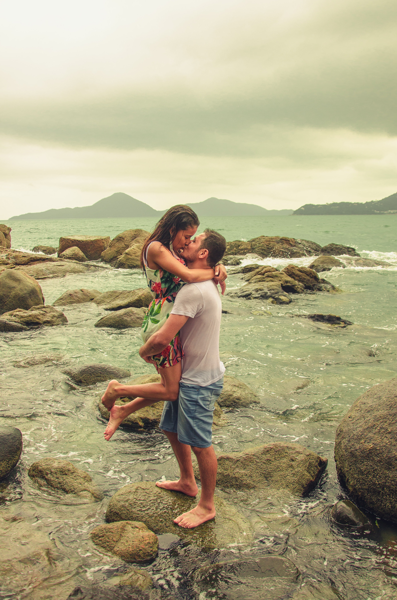 Des photos de baisers originales : porter sa partenaire
