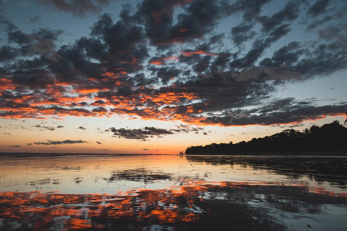 Fotos de amaneceres y atardeceres usando el reflejo de las nubes