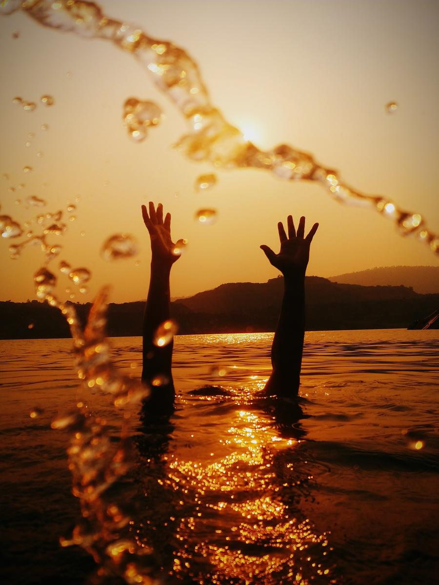 Fotos de amaneceres y atardeceres desde dentro del agua
