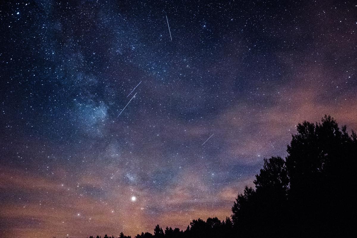 Diferencia la estrella fugaz de otros elementos