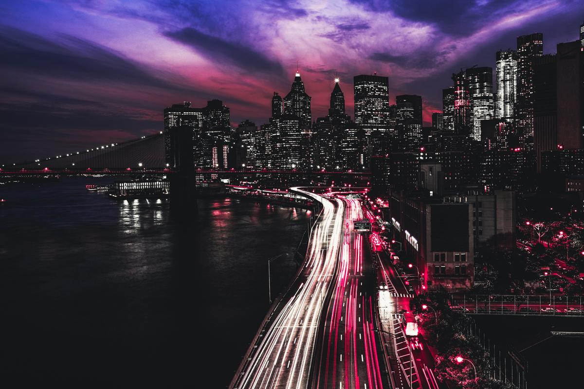 Ciudad de noche con filtro infrarrojos