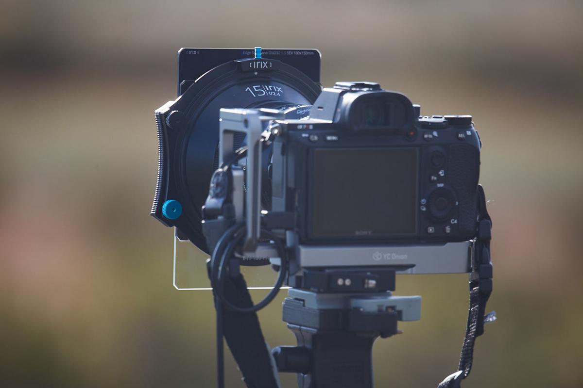 Portafiltros con filtros en la lente Irix 15mm f/2.4