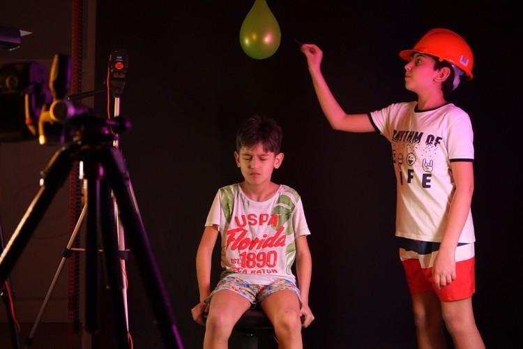 Cómo fotografiar un globo de agua explotando