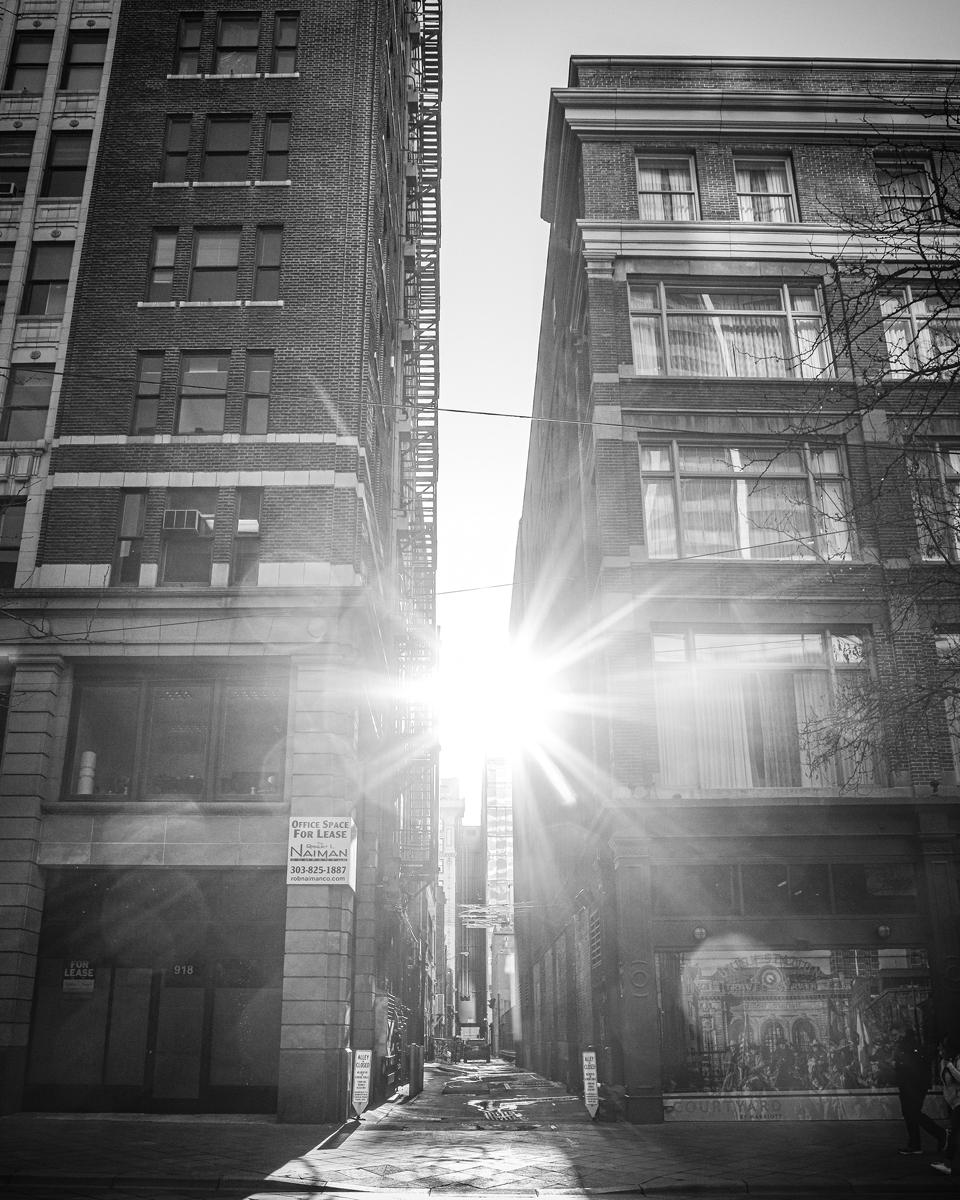 Sitúa el sol detrás de algún elemento